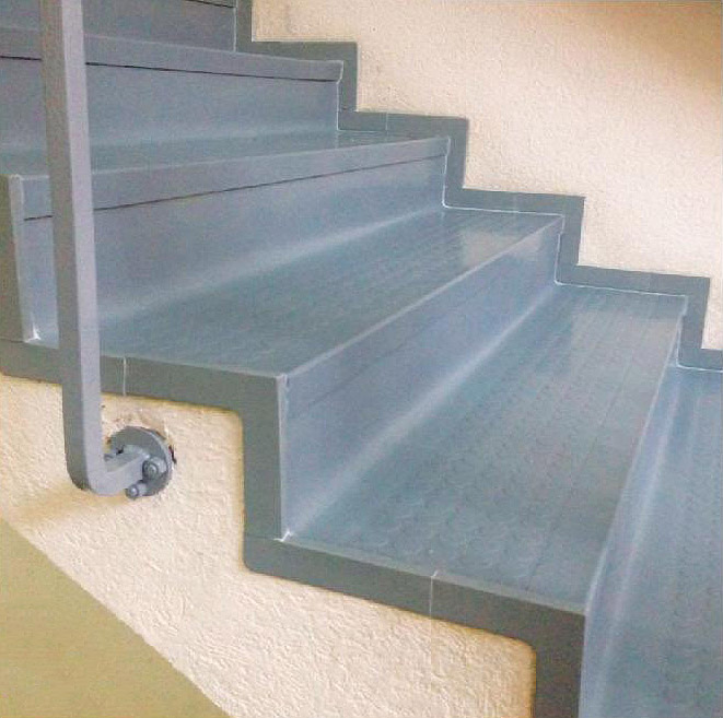 Rubber Studded Stair Tiles